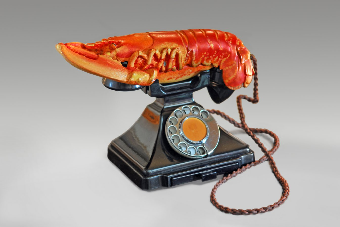 Salvador Dalí, Hummertelefon, 1938, West Dean College of Arts and Conservation © Fundació Gala-Salvador Dalí, Figueres/ VG Bild-Kunst, Bonn 2020