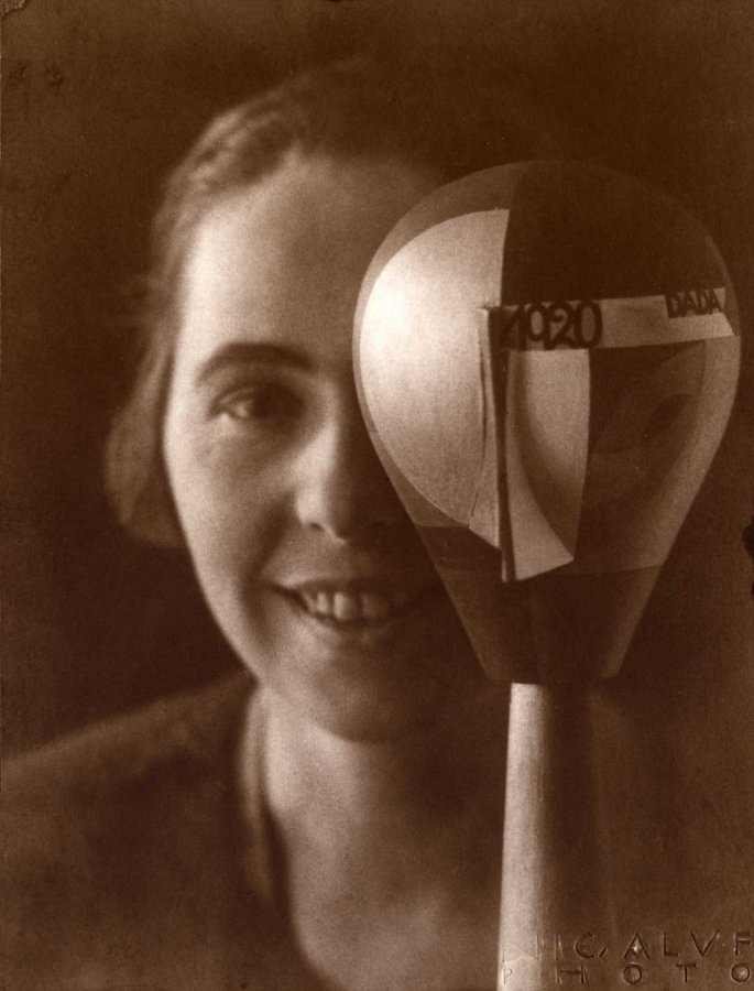 Sophie Taeuber-Arp with Dadahead, 1920 © and Photo: Nic Aluf, Archive of the Fondazione Marguerite Arp, Locarno