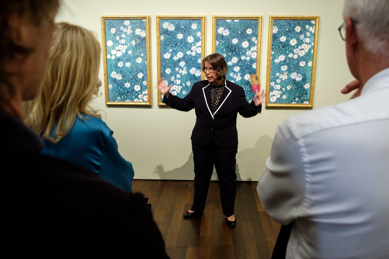 Exclusive guided tour by curator Dr. Susanne Blöcker at the »Japan Fever« preview. © Foto: Norbert Ittermann