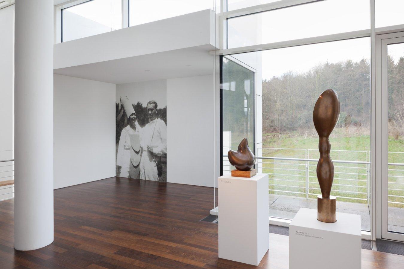 Exhibition View »Zweiklang«, 2015 © Arp Museum Bahnhof Rolandseck, VG Bild-Kunst, Bonn 2016, photo: Mick Vincenz