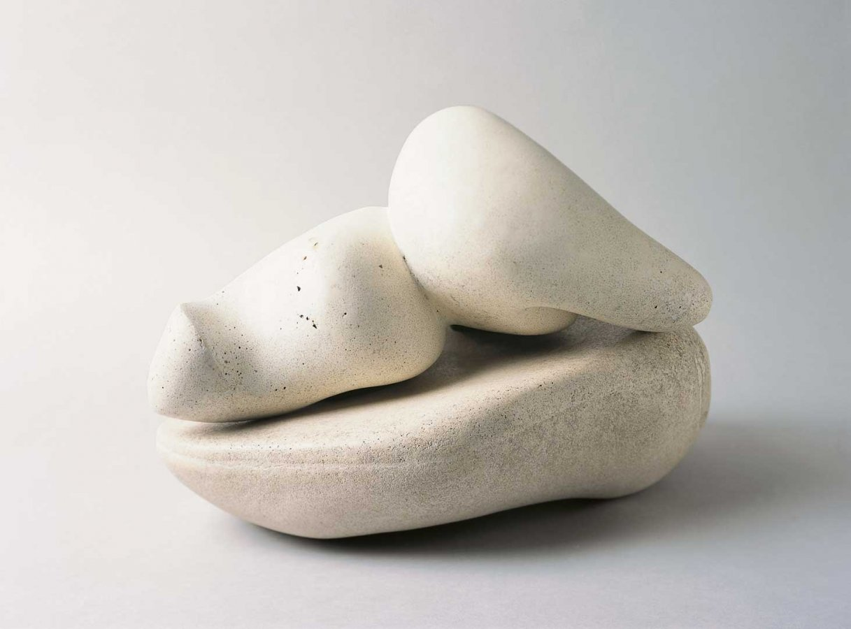Hans Arp, Pagoda Fruit on Bowl, 1934 © Collection Arp Museum Bahnhof Rolandseck, VG Bild-Kunst, Bonn 2016, photo: Ursula Rudischer