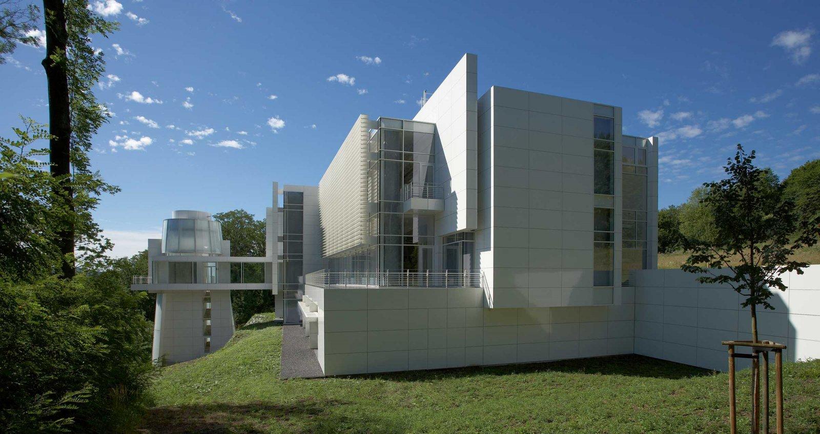 The new building by Richard Meier © Arp Museum Bahnhof Rolandseck, photo: Horst Bernhard