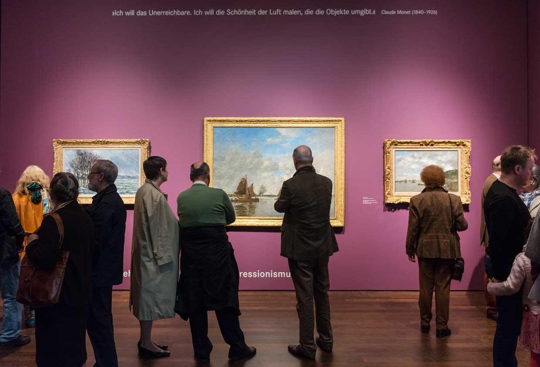 Exhibition View »Revolution of the Image«, 2015 © Arp Museum Bahnhof Rolandseck, photo: David Ertl