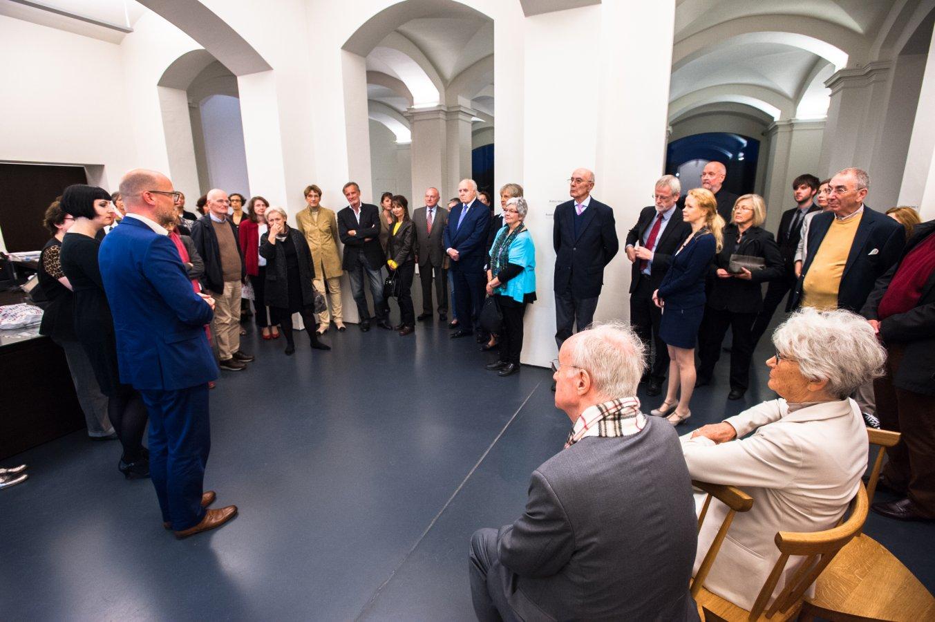 Preview of the exhibition »Der Max ist da!« with the Association of Friends of the Max Ernst Museum Brühl  © Arp Museum Bahnhof Rolandseck, photo: Lothar Kornblum