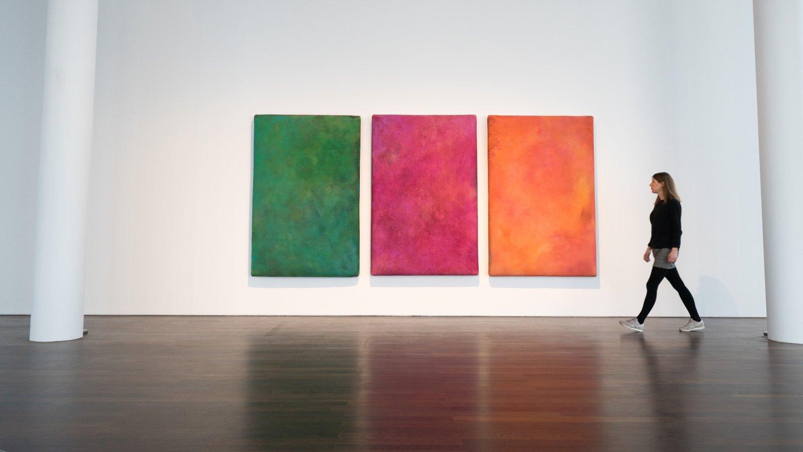 Gotthard Graubner, Venezia (Triptychon), 1982 © VG Bild-Kunst Bonn 2018, Museum für Moderne Kunst Frankfurt am Main, Foto: Dr. Thomas Köster