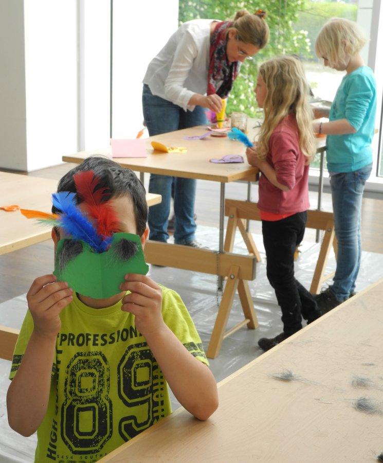 Workshop in der Lobby des Museums © und Foto: Arp Museum Bahnhof Rolandseck