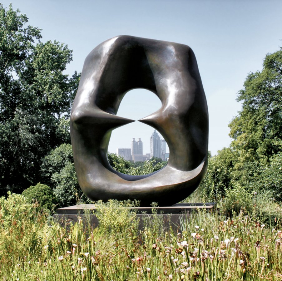 Henry Moore, Oval with Points, 1968–70 © Reproduced by permission of the Henry Moore Foundation, Foto: Chris Kozarich