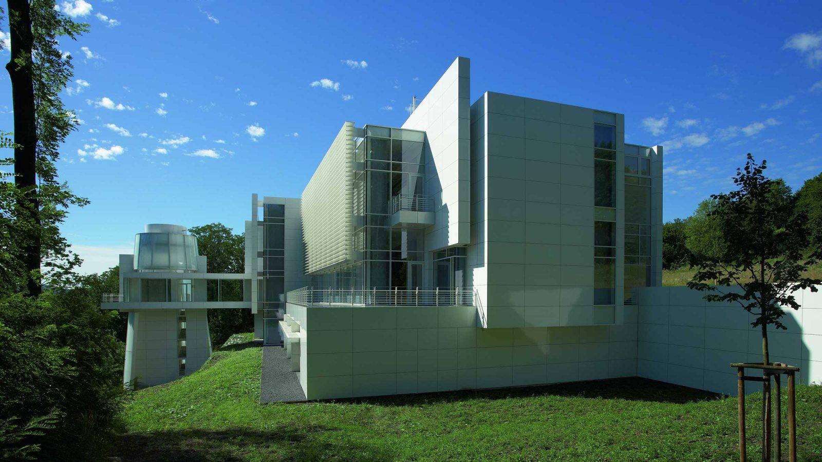 Der Neubau während der Eröffnung der Ausstellung