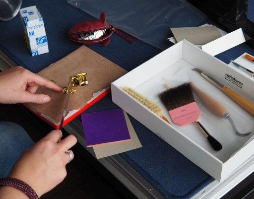 »Goldgerahmt« – Ein Workshop zum Thema Vergolden mit Susanne Leydag, Restauratorin des Arp Museums Bahnhof Rolandseck