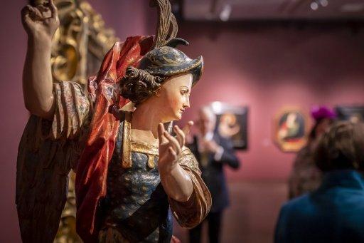 Unbekannter Bildhauer (nördliches Mittelitalien) Der Erzengel Michael  Mitte 17. Jh.  Holz, polychrom gefasst © Haukohl Family Collection